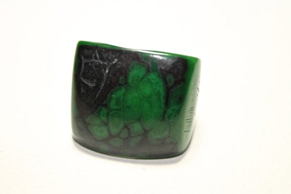 Green Tagua Ring - Eco-Friendly Jewelry