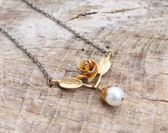 Vintage Gold Rose Necklace with Pearl