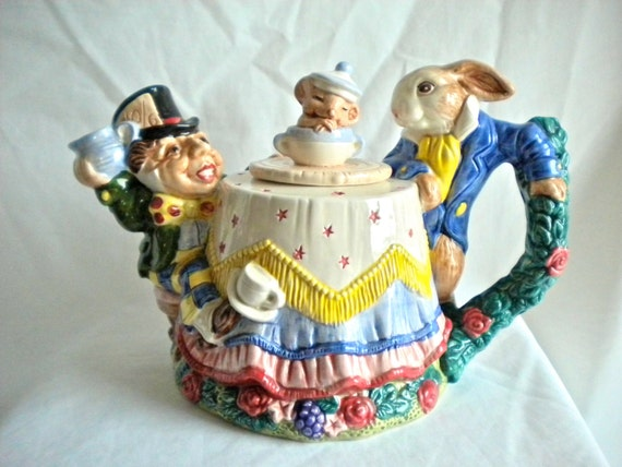 alice in wonderland mad hatter teapot by fitz and floyd