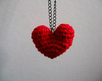 crochet heart pendant necklace red