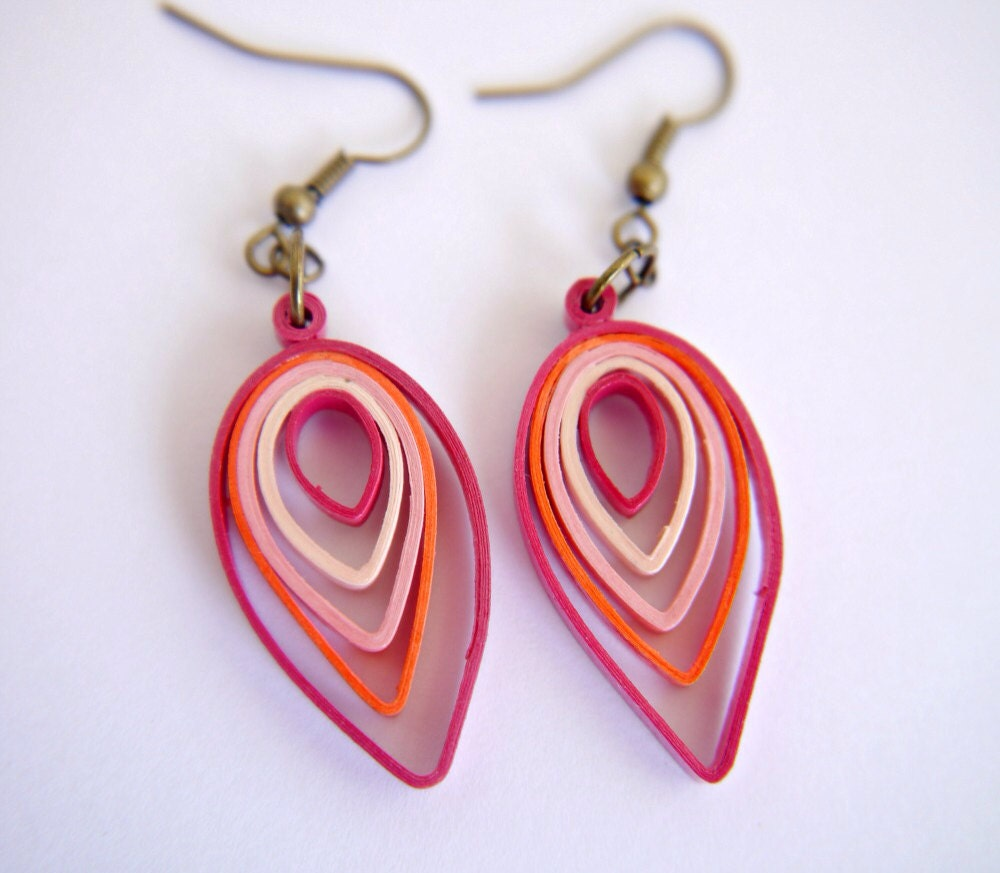 Shades of Pink Leaf Paper Quilling Earrings by FiligreeDelights
