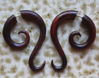 Hand Carved Fake Gauges - Natural Brown Red Sono Wood - LUNETTE -  Style Curl Earrings