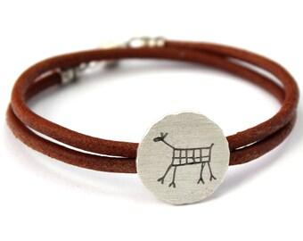 CAPIVARA sterling silver oxidized brushed bracelet wrist cuff rock art deer prehistoric cave painting leather