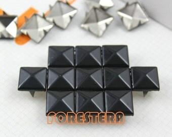 200Pcs 12mm Black Color PYRAMID Studs (C-BL12)