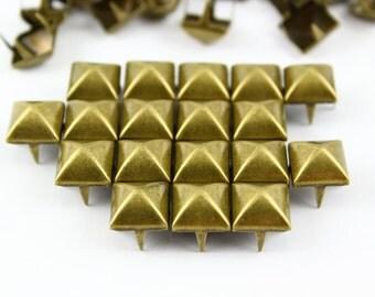 50Pcs 10mm  Antique Brass Dome Pyramid Studs Metal Studs (BMP10)