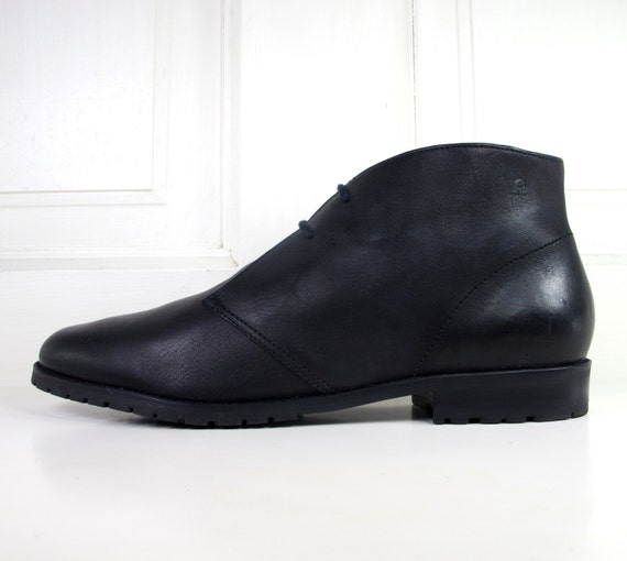 90s Minimalist Black Leather Chukka Boots Ankle Boots