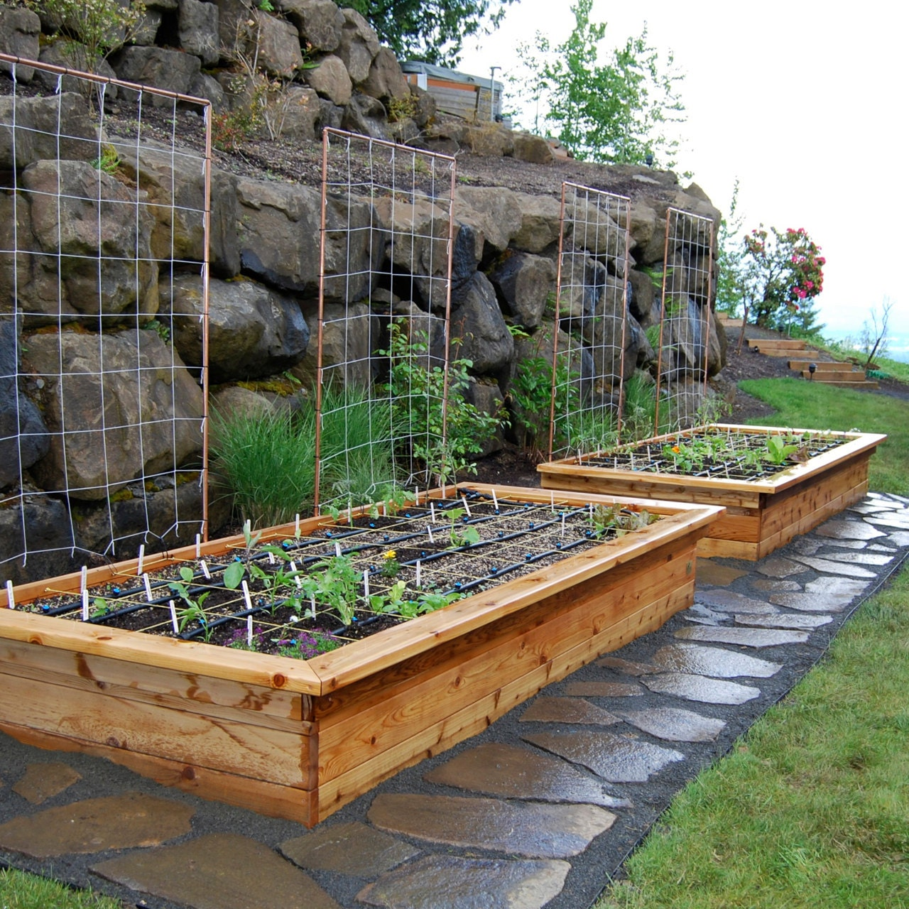 Unique Raised Bed Garden Ideas: Raised Bed Frame With Seats Plan