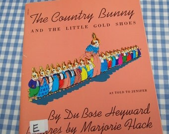 the country bunny and the little gold shoes, vintage 1980s children's book