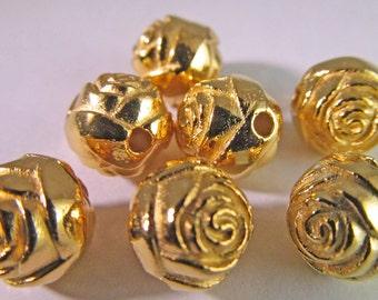 12 Vintage 9mm Gold Rosebud Beads Bd597
