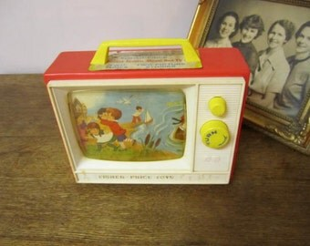 Lovely Fisher Price MUSICAL CLOCK. working