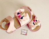 Toddler pink - White polka  leather squeaky shoes,  Girl sandals minnie mouse , girl shoes.Ready to ship.