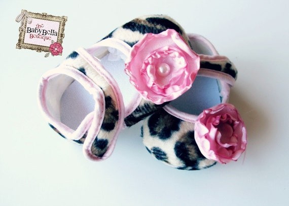 New Baby Girl Crib ShoesFancy Baby Booties,Ready to ship ,Baby Shoes