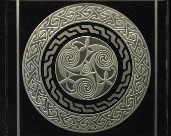 Decorative Etched Glass Art Coaster Home Accent  - Celtic Spiral Key Pattern 3D Design - Book of Kells