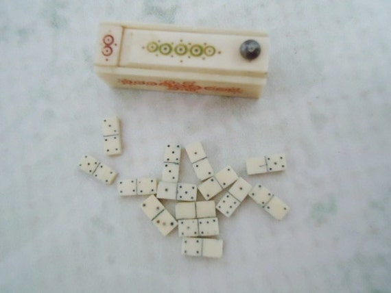 Vintage Micro Miniature Domino Game - Miniature Collectible Games - 1/4 Inch Domino Game