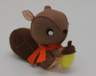 Squirrel, Cute little felt squirrel (decoration, toy, woodland, forrest animal, stuffed animal, plush)