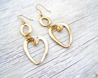 Boho Golden Heart earrings, Vintage 80s retro earrings, Mod jewelry, Bridal jewelry, glamor, Romantic, Spring