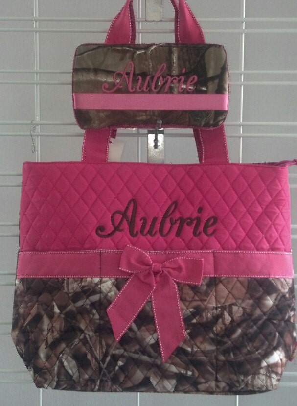 pink camo diaper bag and wipe case by dazzlemegirl on etsy. Black Bedroom Furniture Sets. Home Design Ideas