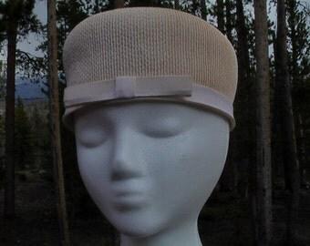Vintage Cream Grosgrain Ribbon Cocktail Hat, Derby Hat, Winter Hat, Formal Hat, Wedding Fashion