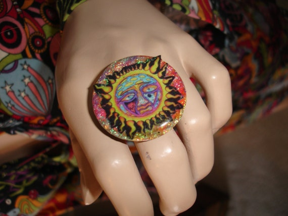 SUBLIME 40 oz to FREEDOM Rainbow PsYcHeDeLiC Mushroom Sun Glitter Resin RING ooak