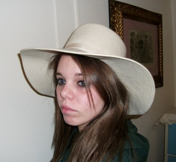Vintage Women s Raw Silk Hat with Top Stitched Wide Brim Only 8 USD