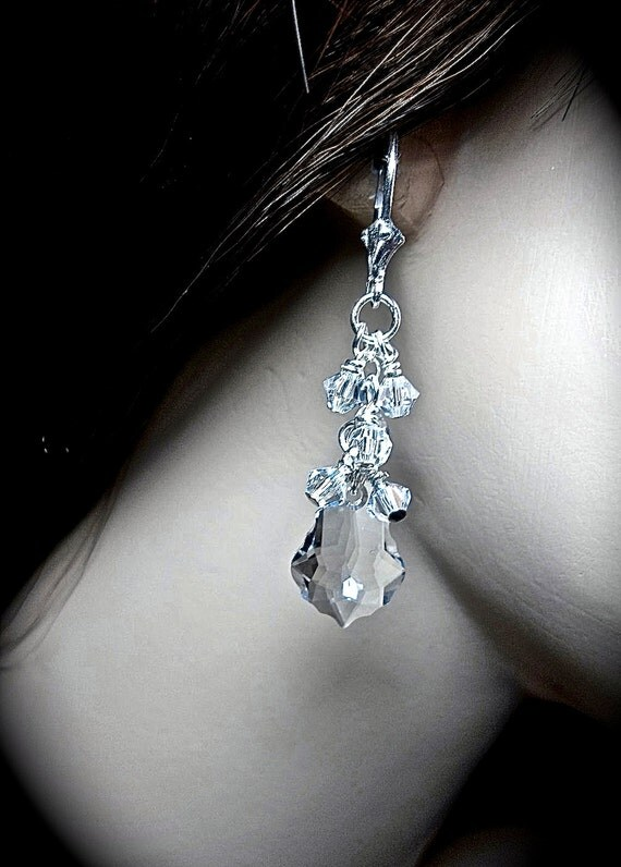 Crystal Earrings - Swarovski's Clear Crystals - Cluster earrings - Sparkles like Diamonds - High Quality -Bridal jewelry - Prom - gift -