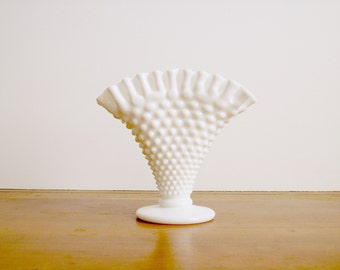 Fenton Ruffled Hobnail Fan Vase