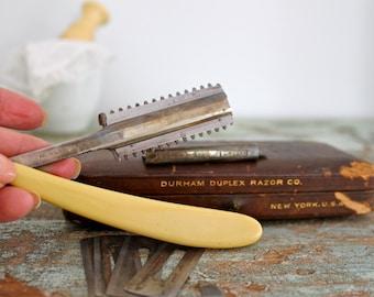 Antique straigth razor set in the box