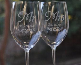 Wedding Table Setting Mr and Mrs Crystal Wine Glass Set