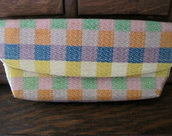 Pretty Vintage Colorful Woven Straw Clutch