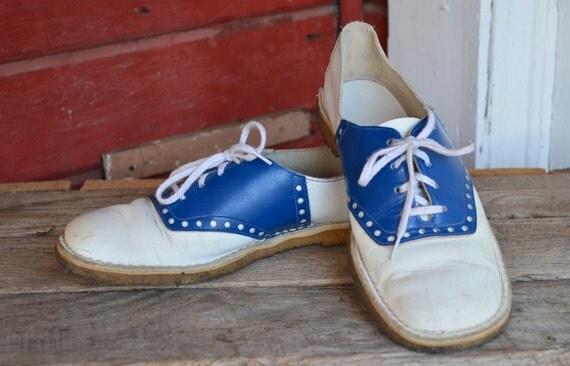 vintage 50s blue and white swing era saddle shoes 8