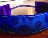 NOODLE HUGGER Non slip ribbon headband - dark blue with navy polka dots - 1.5 inch (running, working out, everyday: women and girls)