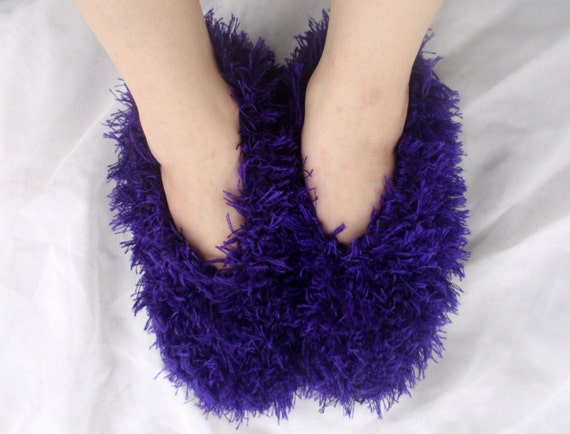 Womens Bedroom Slippers / Fluffy, Fuzzy, Purple Hand Knit Slippers / One Size Fits Most - Sizes 5, 6, 7, 8, 9, 10