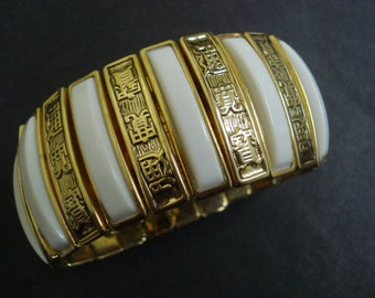 Spectacular Vintage Cuff  Bracelet  White and Gold Expandable Style Superb Quality