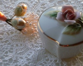 Stunning Vintage Ring Trinket Box Ceramic w/lid, Gorgeous Pink Rose with Gold Trim, Made in Japan 1950s