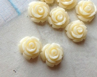 10 mm Cream Color Garden Rose Resin Flower Cabochons (.tc)