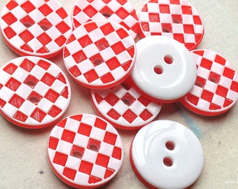 12 mm Red and White Acrylic Checker Pattern Buttons (.mn)