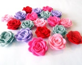 Felt flower Shapes. 20 pieces. Size 23-25mm For crafts, headband, hair clips - PlanetaCostura