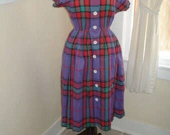 Perfect Plaid 1960's Summer Cotton Vintage Dress, medium - large