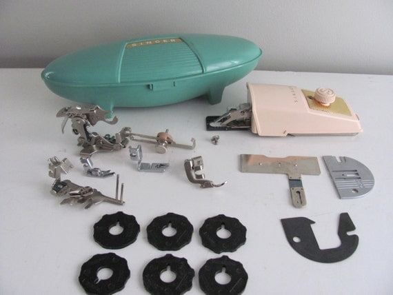 LOT Vintage Singer Sewing Machine Accessories Buttonholer, 7 assorted Feet, 6 Stitch Cams