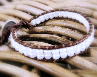 Single wrap bracelet, white leather bracelet czech glass, chic bohemian style wrap bracelet glass
