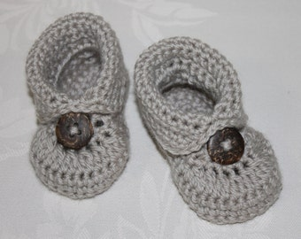 Crocheted Baby Boys  Boot style Bootie in custom colour sizes NB to 12M Made to Order