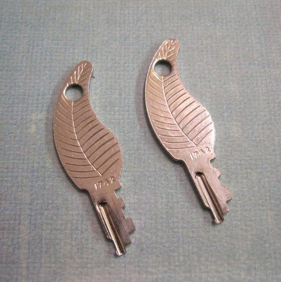 Feather Lite Luggage Keys