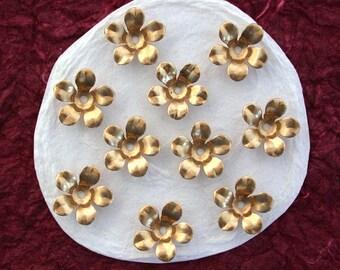 Brass Flower Stampings, Metal Stamped Flowers, Vintage Style Metal Flowers  STA-050