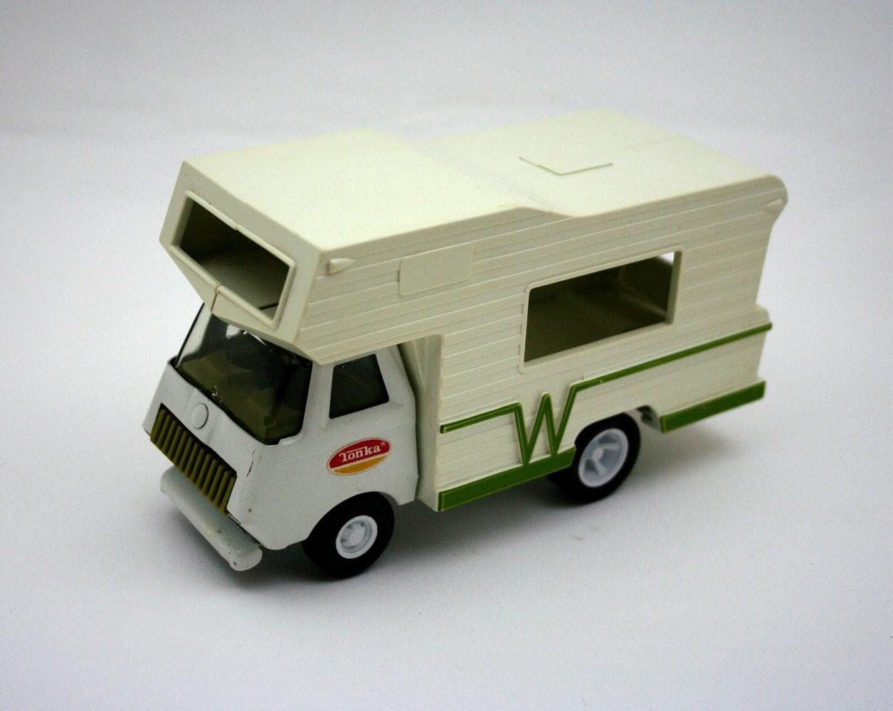 Vintage Tonka Winnebago camper vintage Tonka truck metal