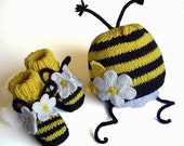 Baby BEE set Hat and Booties/ size for 3-6M