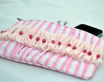 Pink ruffle clutch, pleated clutch purse, zippered pouch, summer clutch, wristlet, clutch purse, bridal clutch, clutch bag, clutch wallet