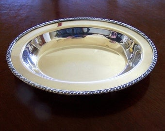 SILVERPLATED SERVING DISH - Wm. Rogers, Made Between 1825 & 1841 - Oval Shape
