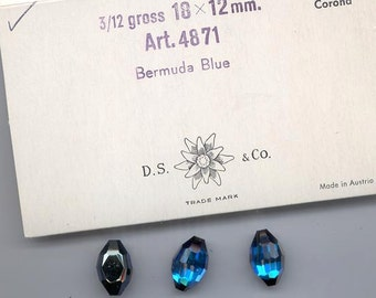Three vintage Swarovski faceted oval crystal stones: Art. 4871 - 18 x 12 mm - effect color bermuda blue