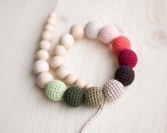 Nursing necklace / Teething necklace / Crochet nursing necklace - Gradient autumn fall colors