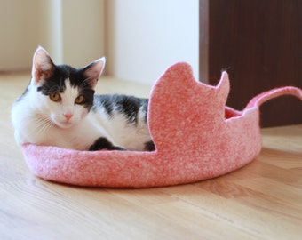 Cat bed - cat cave - cat house - eco-friendly handmade felted wool cat bed - red with natural white - made to order